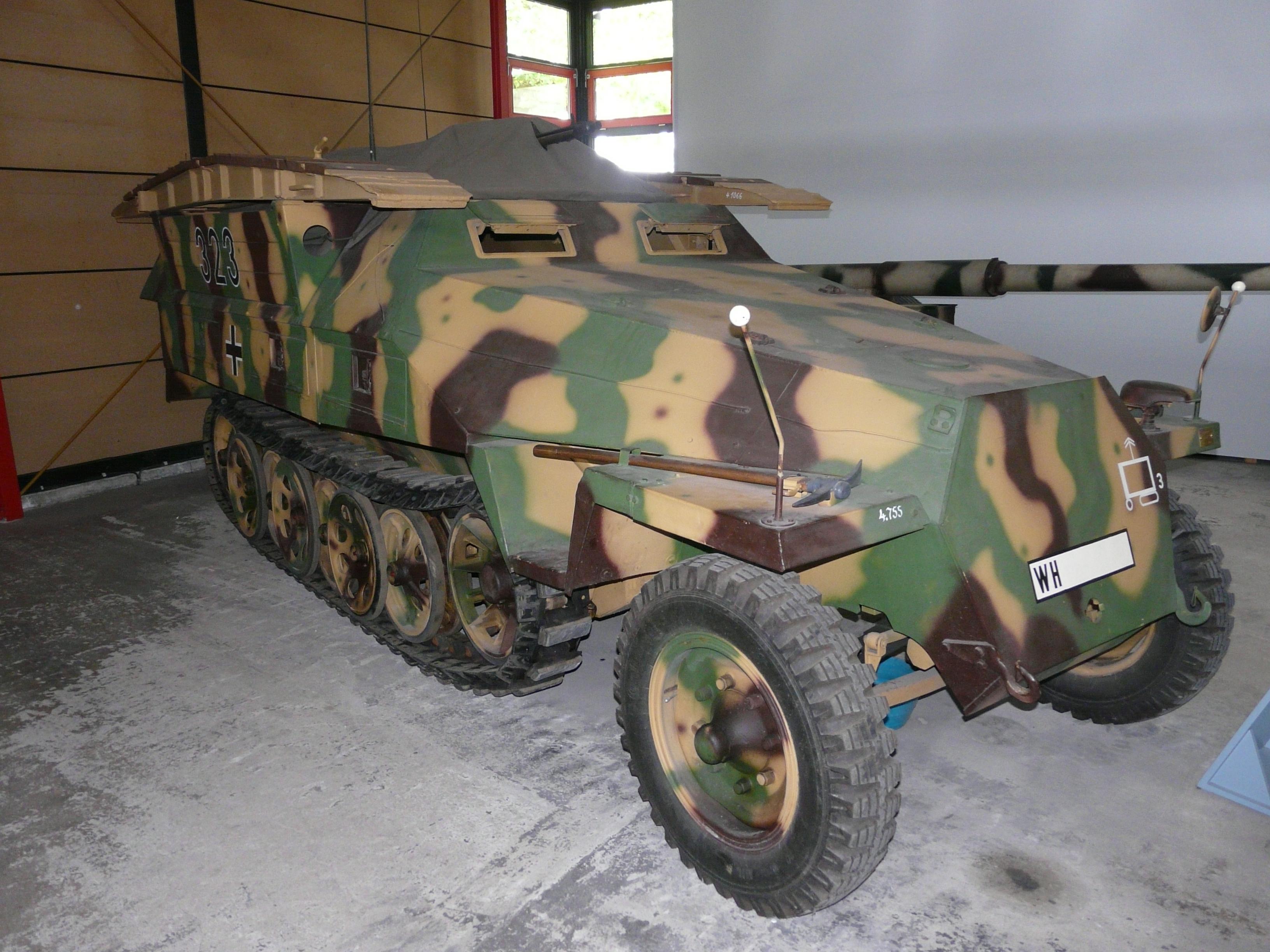 sdkfz251 OT-810